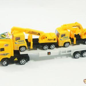 Kamión s kamiónmy na korbe Rozmery:39x7x10cm Nevhodné pre deti do 3 rokov.
