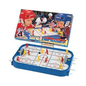 Stolný ľadový hokej. Obsahuje dva kompletné tímy, náhradných hráčov, náhradné diely a ukazovateľ skóre. Rozmery hracej plochy sú 50x30cm. Hra určená pre dvoch hráčov. Vhodné pre deti od 3 rokov.