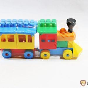 Vláčik skladačka s vozňom v pestrých farbách Rozmery: 23x6,5x10cm Nevhodné pre deti do 3 rokov.