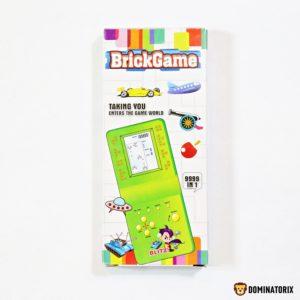 Tetris elektronická hra modrá. Baterky 2xAA 1,5V niesú súčasťou balenia. Rozmery: 7,5x17,5x2,5cm Nevhodné pre deti do 3 rokov.