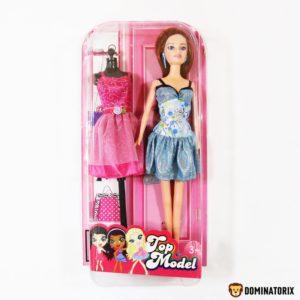 Bábika modelka s figurínou dlhými vláskami a ružovými šatami. Balenie obsahuje: bábika, figurína, modré a ružové šaty. Rozmery: 32x16x6cm Nevhodné pre deti do 3 rokov.