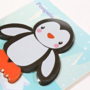 Drevená skladačka tučniačik je vhodná pre deti od 18 mesiacov. Rozmery: 15x15cm