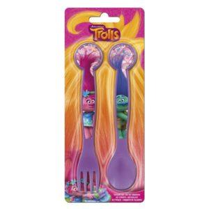 Detský príbor Trolls fialový. Balenie obsahuje lyžičku a vydličku. Príbor je dlhý 16,5cm Vhodné pre deti od 3 rokov.