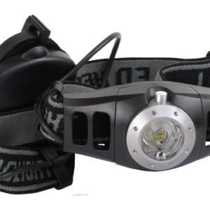 Čelovka Logic čierna JY-158 s nastaviteľnou gumičkou na veľkosť akú potrebujete. Balenie obsahuje aj ovládač na nastavenie intenzity svietenia svetla. Svetlo - LED dioda 3W. Batérie 3xAAA nie sú súčasťou balenia. Materiál-plast a guma. Dĺžka svetla je 8cm.